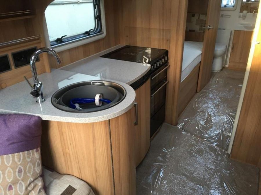 Image of ☆ 2013/14 BAILEY UNICORN CADIZ 2 ☆ TOURING CARAVAN 4 BERTH ☆ IMMACULATE ☆