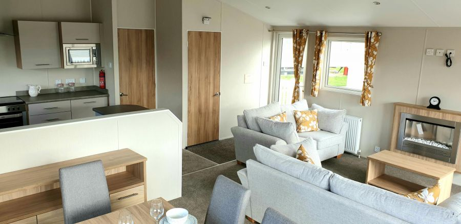 Photo of NEW 3 Bedroom 40x20 static lodge at Highfiled Grange in Clacton on Sea, Essex Willerby Pinehurst 2018