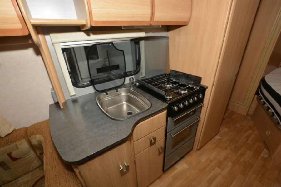Image of 2009 Coachman Wanderer 18 4 Berth Touring Caravan with Fixed Bed