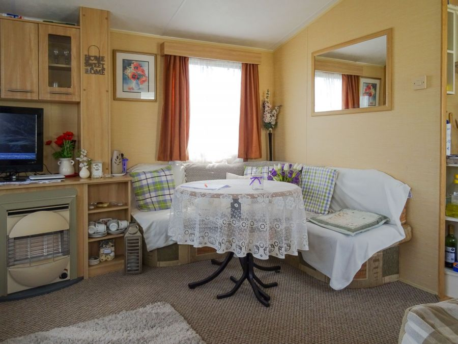 Image of Willerby Rio 2009 at Martello Beach, Essex. 2 bedrooms / 6 berth