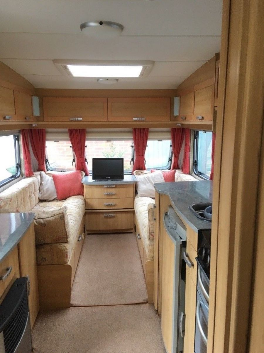 Image of 2008 2 berth touring caravan with mover. Lunar Quasar 462. £8000 o.n.o.