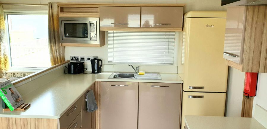 Image of Superb Top of the Range ABI HAREWOOD 2016 sited Static Caravan 40x12 DGCH