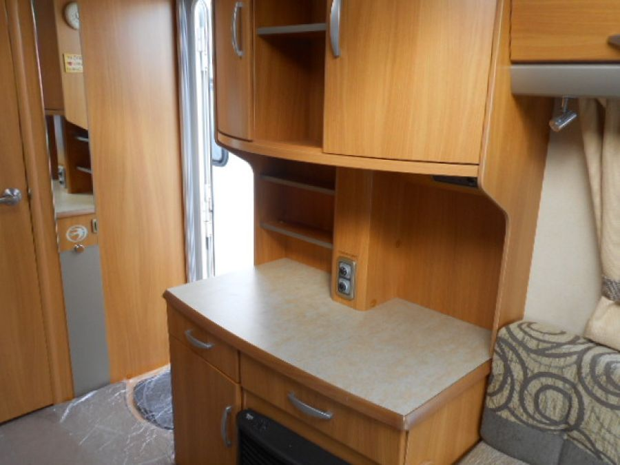 Image of 2010 Swift Challenger 480 - end washroom 2 berth with FREE starter pack
