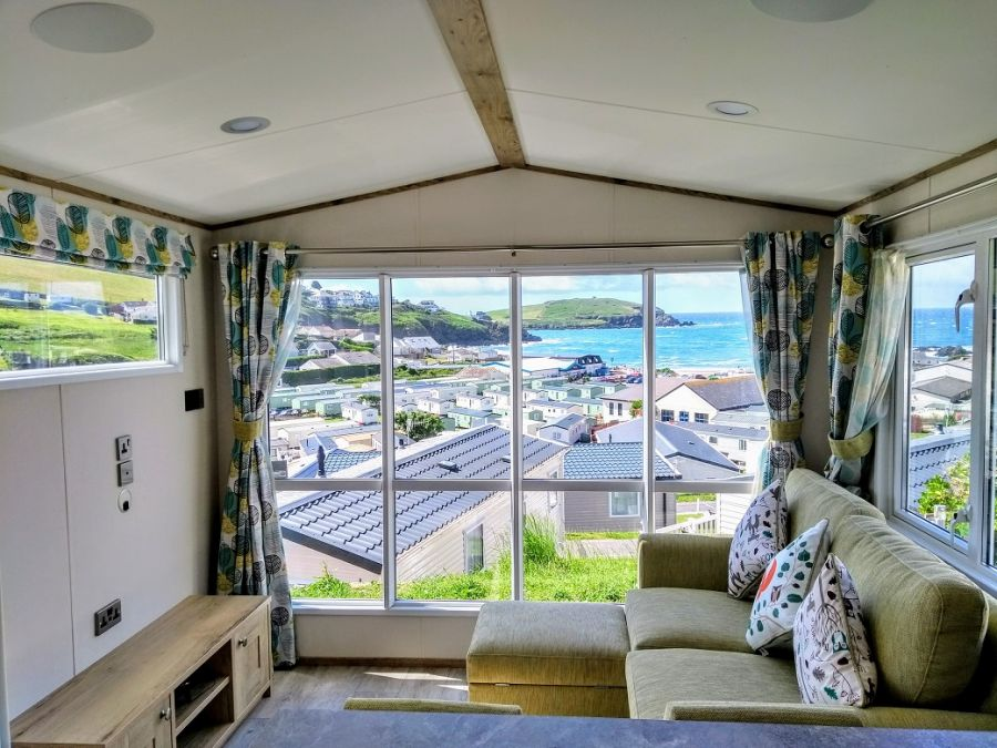 Image of 1 bed static caravan holiday home for sale in South Devon- perfect for couples & dog lovers!