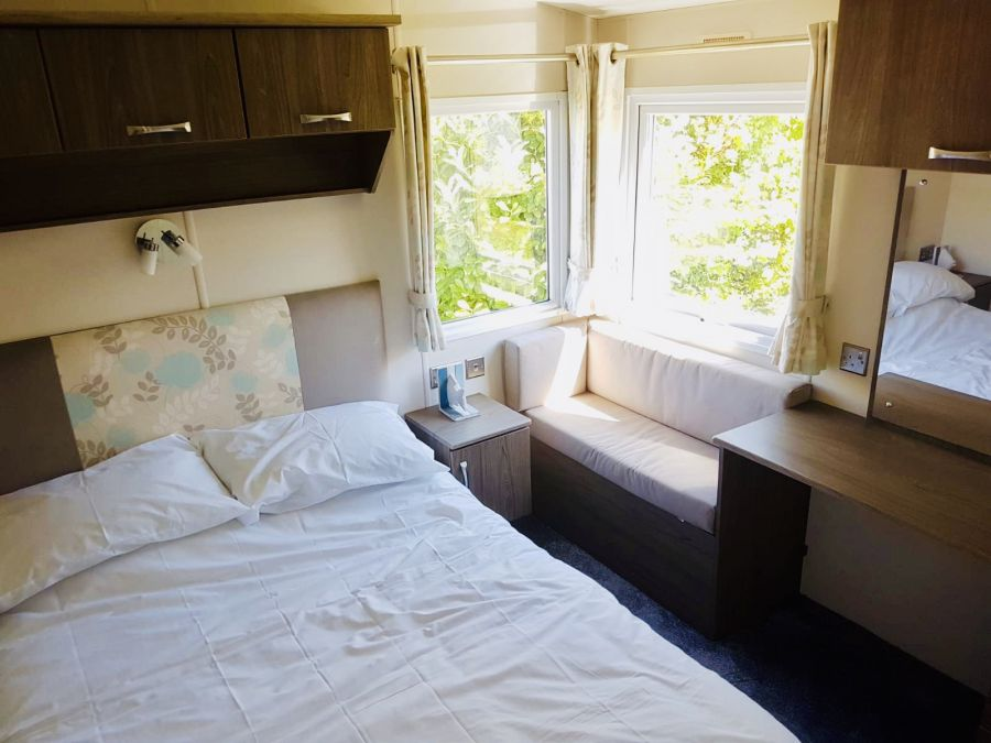 Image of CARAVAN FOR SALE - STUNNING 2 BED - SAVE £4000!!!