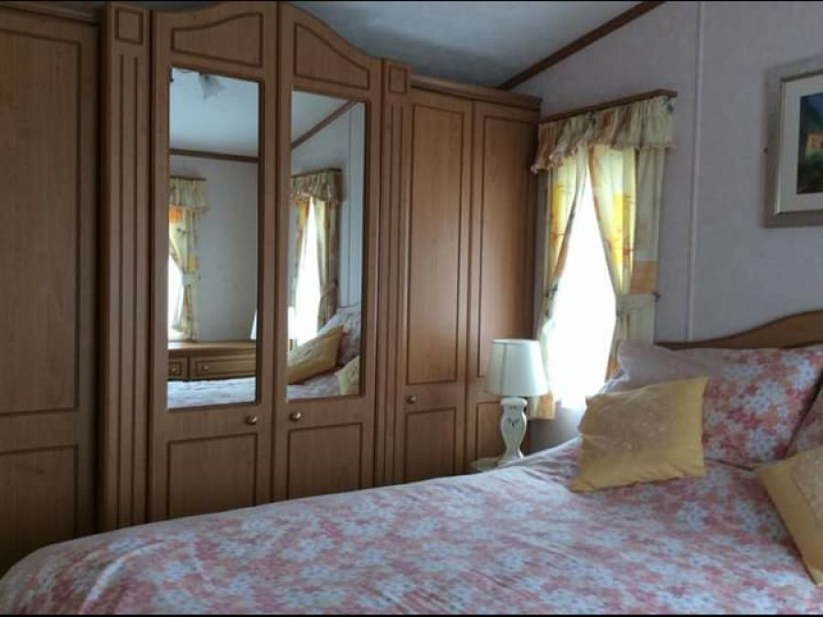 Image of Static Caravan For Sale Fully furnished sited on Norfolk coast 2003