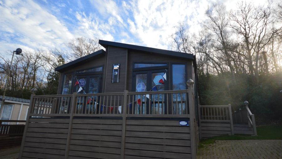 Image of LUXURY LODGE-!COGHURST HOLIDAY PARK-EAST SUSSEX COAST-HASTINGS-PET FRIENDLY-FISHING LAKE-FINANCE OPTIONS-OPEN 11 HALF MONTHS-FREE CREDIT CHECKS-FREE PIPED GAS-07749981307
